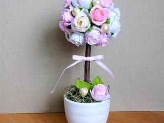 可愛い薔薇のトピアリーの画像