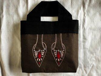 ミュール刺繍のバッグ(オリエンタル)の画像