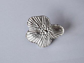 ブローチ(銀彩) 花-1の画像