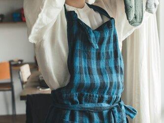 teint TE-002C [日本製品染め]リネン カフェエプロン(チェックマリンブルー)の画像