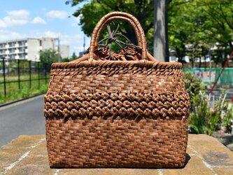 山葡萄(やまぶどう)籠バッグ | 中央六角花結び編み | 巾着と中布付き | (約)幅30cmx高さ24cmx奥行12cmの画像
