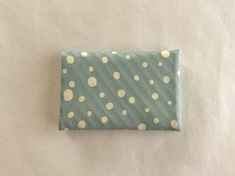 絹手染カード入れ(ドット・くすみ緑/クリーム色)の画像