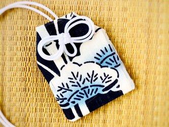 元巫女のお守り袋(竹松)の画像
