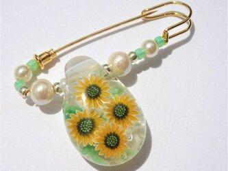 《ひまわり》 ブローチ とんぼ玉 ガラス 向日葵 クリアの画像