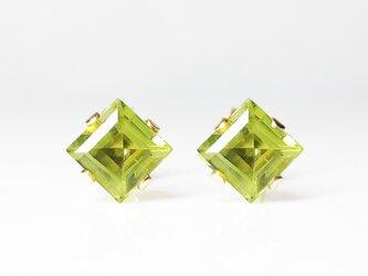 【8月誕生石】新緑の輝き。ペリドットのピアス [送料無料]の画像