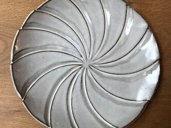 藁灰の大皿の画像