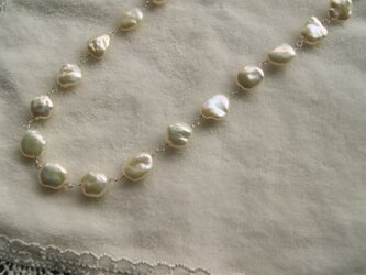 大粒、艶々のケシ真珠のネックレス(銀鎖)  N16の画像