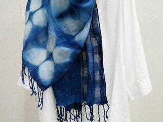 藍の板締め綿ショールの画像