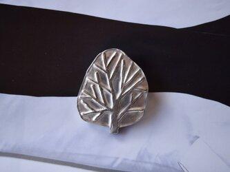 ブローチ(銀彩) 木-2の画像
