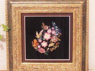 西洋風ガーデンのお花ブーケ刺繍額の画像