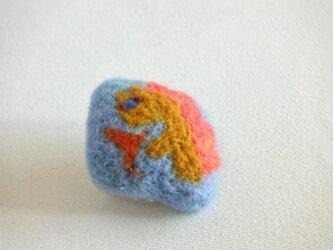 火を吹く恐竜さん ブローチの画像