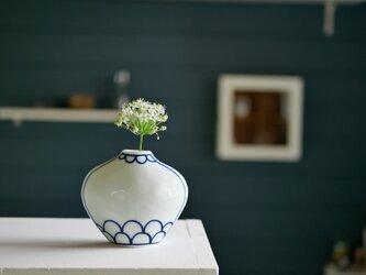【再販】庭のお花いちりん 染付の花びん Sの画像
