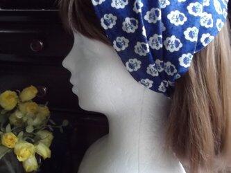 再販:ブルーのプロバンス風柄のワイドヘアバンドの画像
