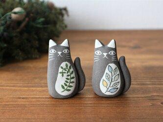黒陶土で作った 黒ネコ (S)   つる草 / 葉の画像