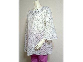 53 浴衣リメイクベルスリーブプルオーバーシャツ(白紺・絣)の画像