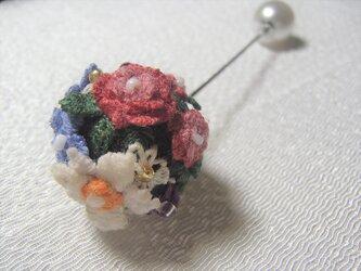 3D手刺繍/花のピンブローチの画像