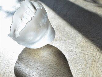 無色透明ガラスのインテリアトレイ -「 KAZEの肌 」#822 ● 9cm 【 1点限定制作 】の画像