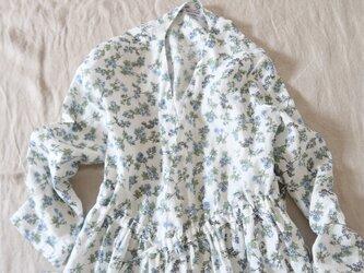 小花柄ホワイトリネン♡カシュクールワンピース・美シルエット♡ノスタルジックの画像