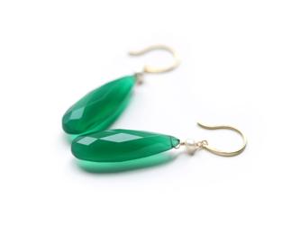 K18 新緑感じる グリーンオニキス(ロングペアシェイプ)とパールのフックピアス~ESPOIR NOBLE~の画像