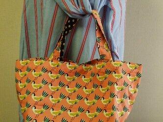 【セール品】鳥柄プリント トートバック  綿100% サーモンピンク色の画像