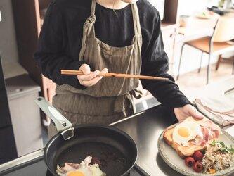teint TE-002S [日本製品染め]リネン カフェエプロン(ストライプシナモン)の画像