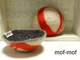 羊毛フェルトのボウル(朱色柄)の画像