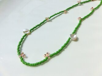 peace necklace -green & pearl-の画像