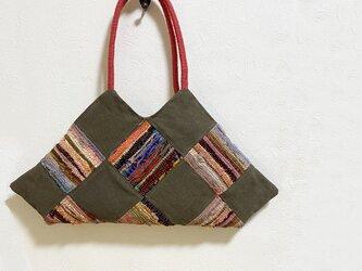 裂き織り生地と帆布のユニークなかばんの画像