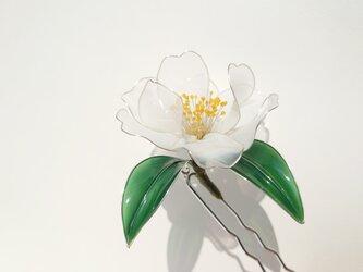 白椿の髪飾りの画像