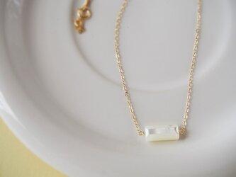 14KGF ホワイトシェル(白蝶貝)のネックレスの画像