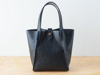 日本製牛革手縫いのボタントートバッグ  /  ブラックの画像
