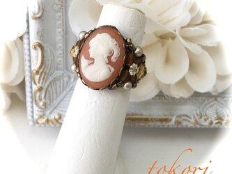 ヴィンテージカメオ指輪 横向き女性(オレンジ)の画像