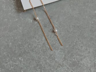 K18 アシンメトリー パールのピアスの画像