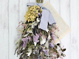 ギンドロと薄紫のラベンダー香るスワッグ の画像