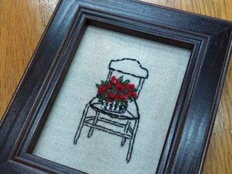 刺繍ミニ額★北欧イスと鉢植えの花の画像