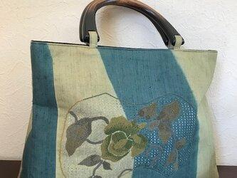 渋い色合いのフレンチナッツ刺繍 三角マチの手提げの画像