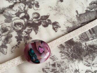 ガラスの帯留・マーブル・クランベリーの画像