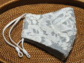 フランス製リバーレース×シルクのエレガントなレイヤード 立体布マスク(女性用ふつう)の画像