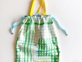 ゆるチェックの巾着袋 GREENの画像