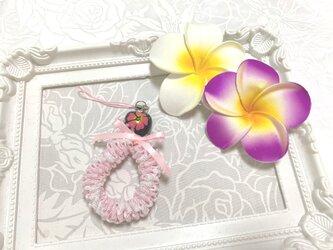 ハワイアンリボンレイ【リックラックスクエアチャーム・ピンクX白】完成品♪の画像