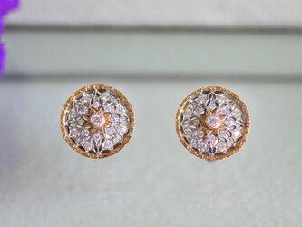K18 diamond pierceの画像