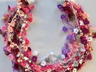 ビジューの刺繡ネックレス フラワー・ジュエル ベリーの画像