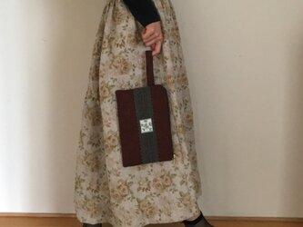 ふんわりキルト PJC刺繍 ワンマイルに便利なクラッチバッグの画像