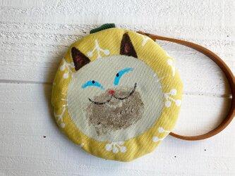 シャム猫の丸型ポーチ〈黄色〉の画像