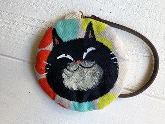 黒猫の丸型ポーチ〈カラフルドット〉の画像