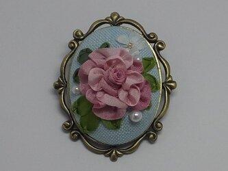 リボン刺繍のブローチ (ピンク )の画像