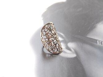 指輪兼イヤーカフ(透かし唐草)・マスクコーデ[SILVER950]の画像