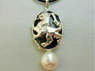 紋章ライオンペンダントの画像