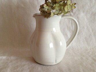 花形ピッチャー(アンティークホワイト)の画像