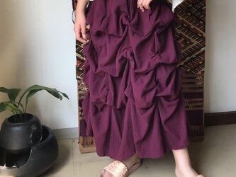 27か所の留めループで自由自在にデザインが楽しめるコットンスカート 紫の画像